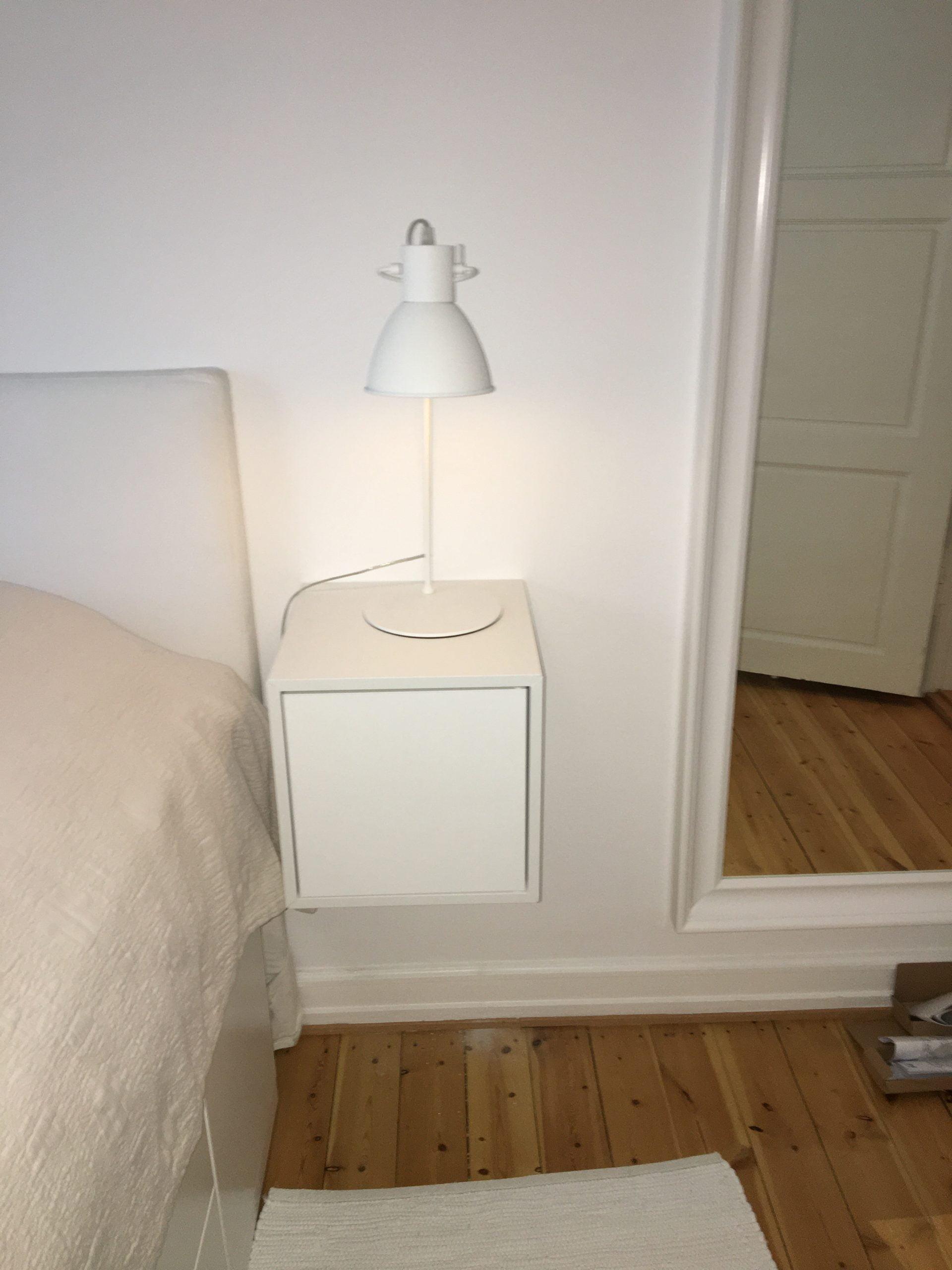 Picture of: Vaeg Montering Ophaengning Af Ikea Eket Natborde Homesetup Dk