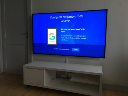 """Væg ophæng af 65"""" Samsung TV"""