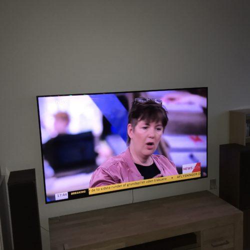 """Væg ophængning af 55"""" Samsung LED TV"""