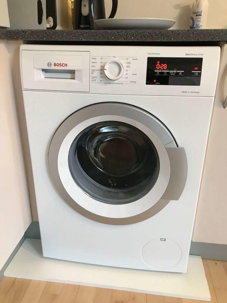 Picture of: Montering Og Vand Tilslutning Af Vaskemaskine Homesetup Dk