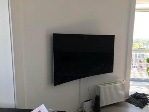 Montering af 65 Samsung Curved TV