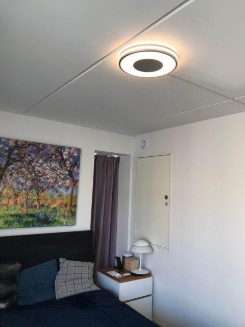 Opsætning Philips Hue Being lampe soveværelse