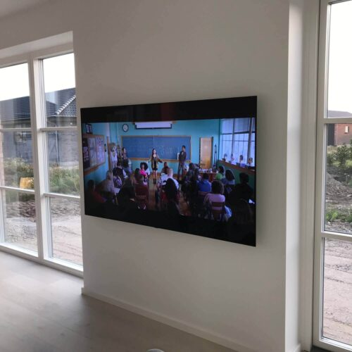 Vægopphæng Samsung QLED TV